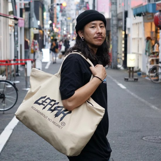 <img class='new_mark_img1' src='https://img.shop-pro.jp/img/new/icons2.gif' style='border:none;display:inline;margin:0px;padding:0px;width:auto;' />【LEFLAH】main logo canvas zip tote bag (BEG)