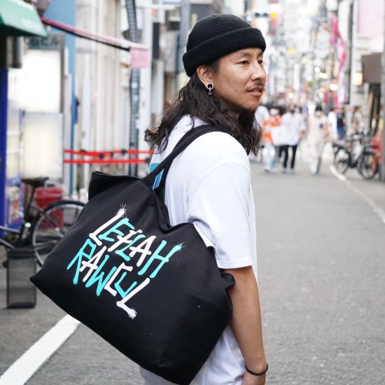 <img class='new_mark_img1' src='https://img.shop-pro.jp/img/new/icons2.gif' style='border:none;display:inline;margin:0px;padding:0px;width:auto;' />【LEFLAH】G-spray logo canvas zip tote bag (BLK/MLT)