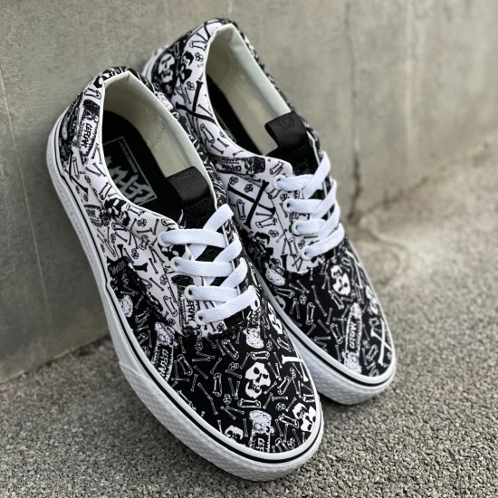 <img class='new_mark_img1' src='https://img.shop-pro.jp/img/new/icons1.gif' style='border:none;display:inline;margin:0px;padding:0px;width:auto;' />【LEFLAH】original skull sneaker (BLK)