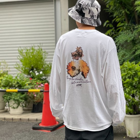 <img class='new_mark_img1' src='https://img.shop-pro.jp/img/new/icons1.gif' style='border:none;display:inline;margin:0px;padding:0px;width:auto;' />【LEFLAH】 beat a march pocket long tee (WHT)