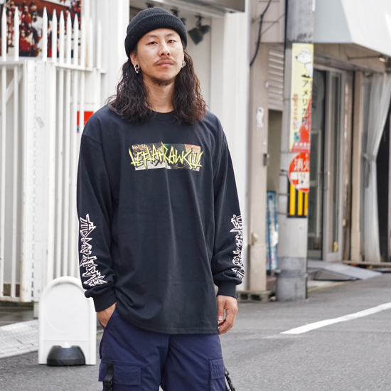 <img class='new_mark_img1' src='https://img.shop-pro.jp/img/new/icons1.gif' style='border:none;display:inline;margin:0px;padding:0px;width:auto;' />【LEFLAH】police logo long tee(BLK)