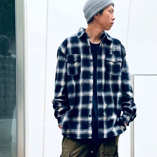 <img class='new_mark_img1' src='https://img.shop-pro.jp/img/new/icons1.gif' style='border:none;display:inline;margin:0px;padding:0px;width:auto;' />【LEFLAH】ombre check shirt(NVY)