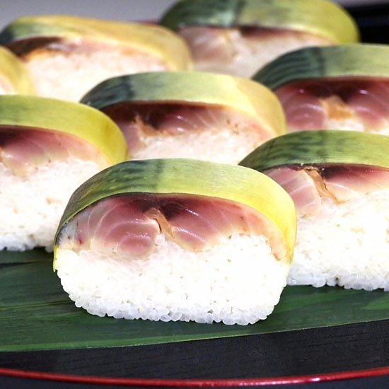 【冷凍】【冷蔵】名物 鯖寿司1本(8貫)